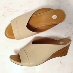 Dress Barn DECO Tan Open Toe Mule Wedge Sandal 8.5